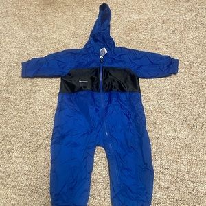 Nike 12 month rain suit with hood NWOT